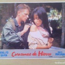 Cine: 2 FOTOCROMOS - LOBBY CARD - CORAZONES DE HIERRO. Lote 88334292