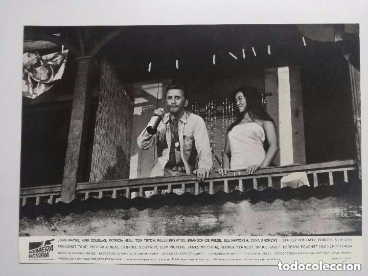 Cine: PRIMERA VICTORIA, JOHN WAYNE, KIRK DOUGLAS, PATRICIA NEAL, TOM TYRON, 16 FOTOCROMOS.MADE IN USA - Foto 3 - 100081283