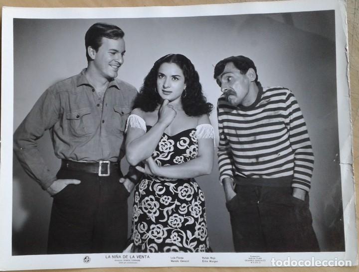 LOLA FLORES, RUBÉN ROJO, XAN DAS BOLAS. LA NIÑA DE LA VENTA. FOTO 18X24. (Cine - Fotos y Postales de Actores y Actrices)