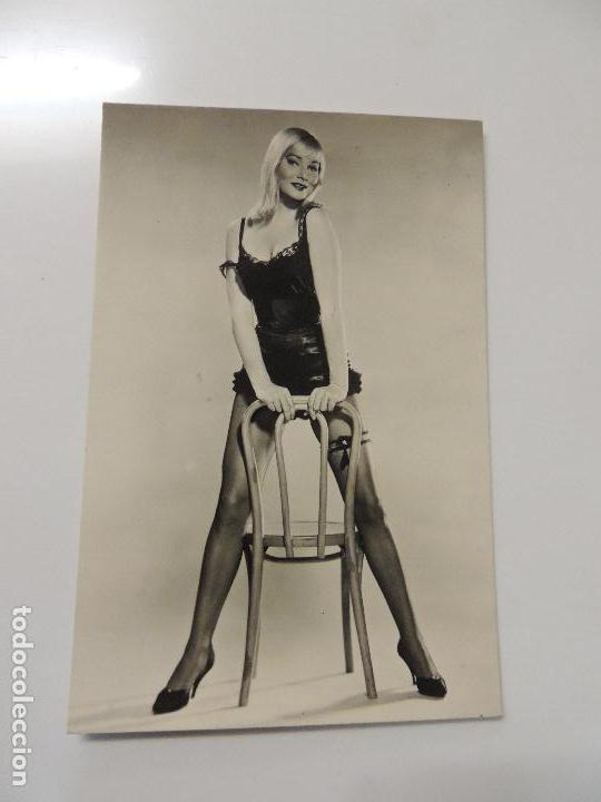 a8a3e0e4 may britt - postal original b/n - archivo bermejo - la rubia y el sheriff -  swimsuit