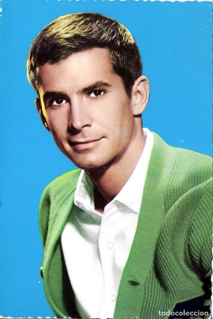 FOTO ORIGINAL A COLOR AÑOS 60 (TONY PERKINS) (Cine - Fotos y Postales de Actores y Actrices)