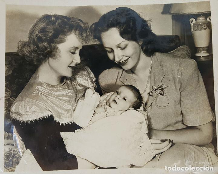 FOTOGRAFIA DE FAMILIA DE LA ACTRIZ NORTE AMERICANA BILLIE BURKE. CIRCA 1950. (Cine - Fotos y Postales de Actores y Actrices)