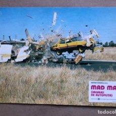 Cine: MAD MAX (SALVAJES DE AUTOPISTA). WARNER BROS 1979. FOTCROMO DE LA PELÍCULA EN FORMATO CARTÓN.. Lote 237707340