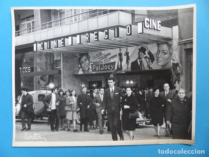 Cine: 4 FOTOS DE CINES ESTRENANDO LA PELICULA PAL JOEY, FRANK SINATRA, RITA HAYWORTH, KIM NOVAK -AÑOS 1960 - Foto 4 - 137395318