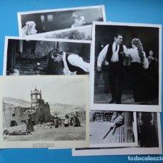Cine: 7 FOTOGRAFIAS DE CINE - UN REY PARA CUATRO REINAS, CLARK GABLE, ELEANOR PARKER - AÑO 1956. Lote 137395982