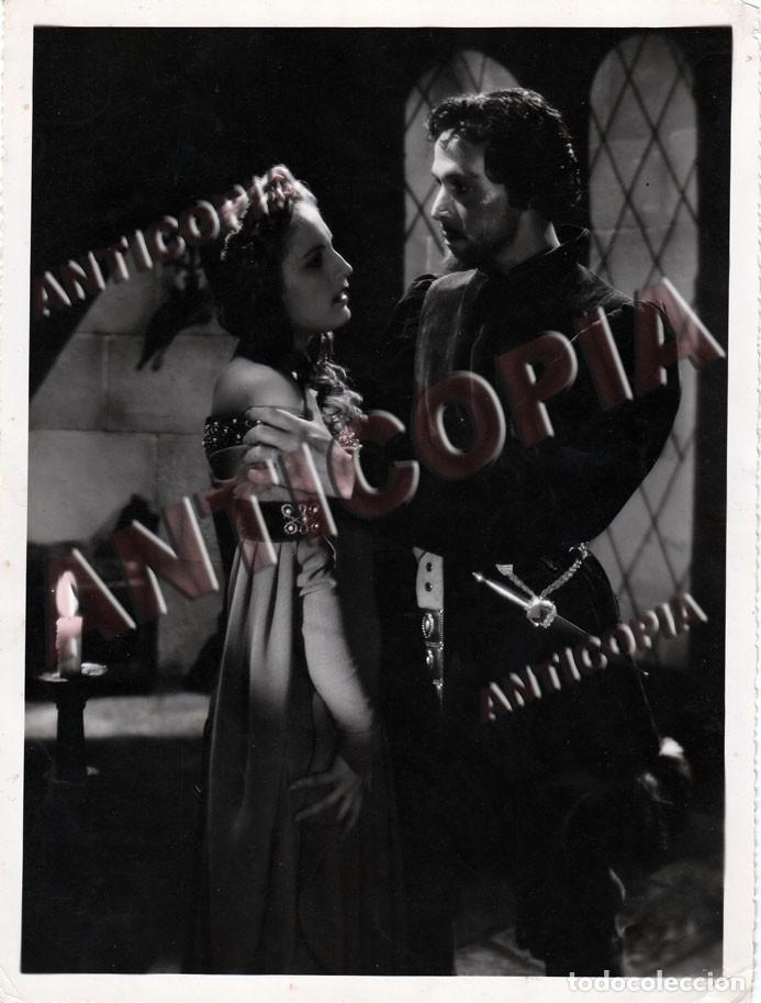 10 FOTOGRAFIAS DE DISTINTAS PELICULAS DEL CINE ESPAÑOL AÑOS 50/60/70 (NUM. 7) (Cine - Fotos y Postales de Actores y Actrices)