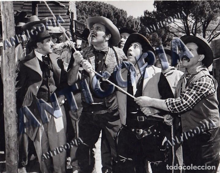 Cine: 10 FOTOGRAFIAS DE DISTINTAS PELICULAS DEL CINE ESPAÑOL AÑOS 50/60/70 (NUM. 6) - Foto 5 - 137466886
