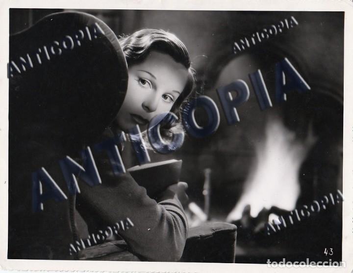 10 FOTOGRAFIAS DE DISTINTAS PELICULAS DEL CINE ESPAÑOL AÑOS 50/60/70 (NUM. 2) (Cine - Fotos y Postales de Actores y Actrices)