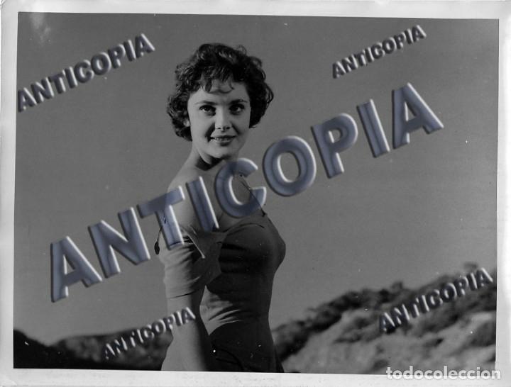 15 FOTOGRAFIAS ORIGINALES DEL RODAJE DE LA PELICULA ''NOSOTROS DOS'' CON ROSSANA PODESTA (Cine - Fotos y Postales de Actores y Actrices)