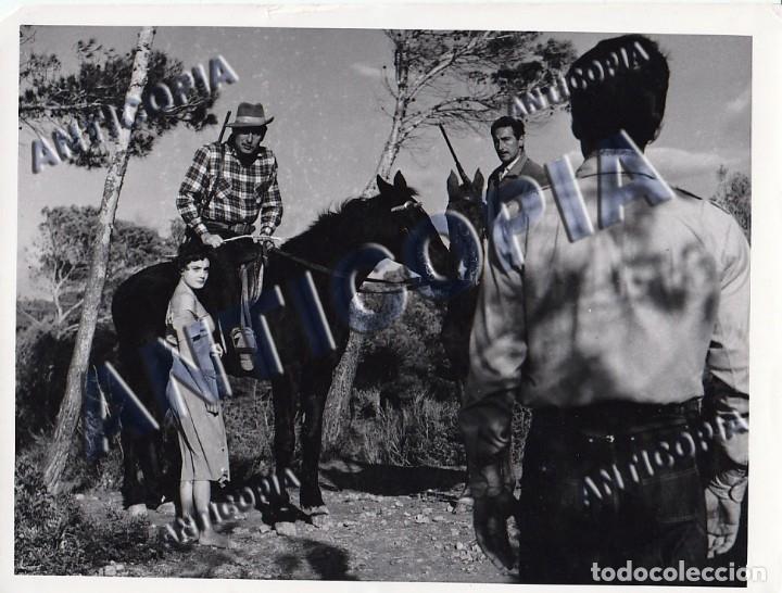 Cine: 15 FOTOGRAFIAS ORIGINALES DEL RODAJE DE LA PELICULA NOSOTROS DOS CON ROSSANA PODESTA - Foto 9 - 136638958
