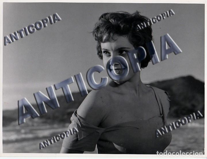 Cine: 15 FOTOGRAFIAS ORIGINALES DEL RODAJE DE LA PELICULA NOSOTROS DOS CON ROSSANA PODESTA - Foto 10 - 136638958
