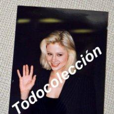 Cine: MIRA SORVINO. FOTO INÉDITA PRESENTACIÓN DE PODEROSA AFRODITA EN BARCELONA. 1995. Lote 139605946