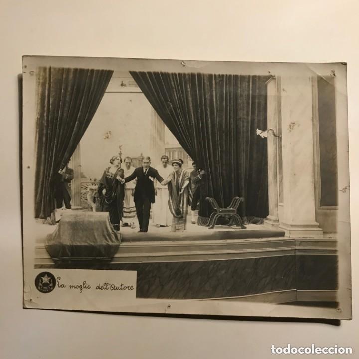 Cine: La moglie dellautore 21x26,7 cm - Foto 2 - 149324730