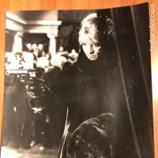 Cine: FOTO ORIGINAL EN CARTÓN METRO GOLDWYN MAYER DE DOCTOR ZHIVAGO JULIE CHRISTIE. Lote 152233061