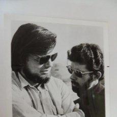 Cine: GEORGE LUCAS GARY KURTZ - FOTO B/N ORIGINAL FILMMAKER DIRECTOR AMERICAN GRAFFITI. Lote 160603970
