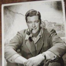 Cine: DENNIS MORGAN - FOTO ORIGINAL B/N - HOLLYWOOD STAR WRISTWATCH CLOCK SMOKING PIPE CHEYENNE. Lote 171104438