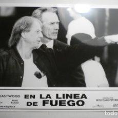 Cine: FOTO TAMAÑO CUARTILLA PELICULA EN LA LINEA DE FUEGO -CLINT EASTWOOD. Lote 171212604