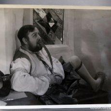 Cine: FOTO ORIGINAL PRENSA CHARLES LAUGHTON LA VIDA PRIVADA ENRIQUE VIII 1933 25 CM X 20 CM. Lote 171337139