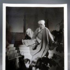 Cine: FOTO ORIGINAL PRENSA RAMÓN NOVARRO EN UNA NOCHE EN EL CAIRO 1933 26 CM X 20 CM. Lote 171439754