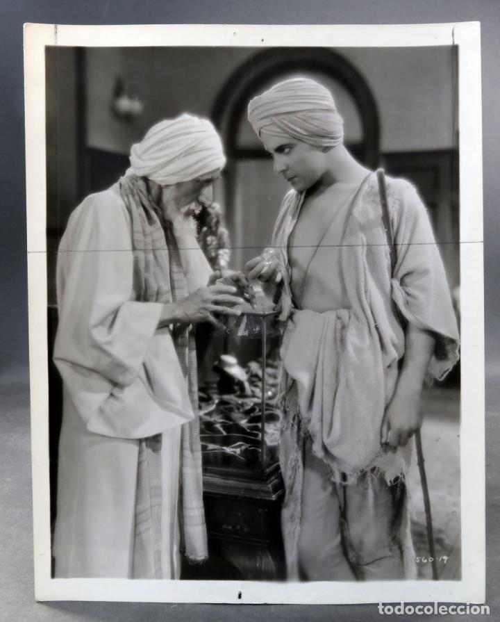FOTO ORIGINAL PRENSA PELÍCULA EL HIJO DEL DESTINO RAMÓN NOVARRO 1931 26 CM X 20 CM (Cine - Fotos y Postales de Actores y Actrices)