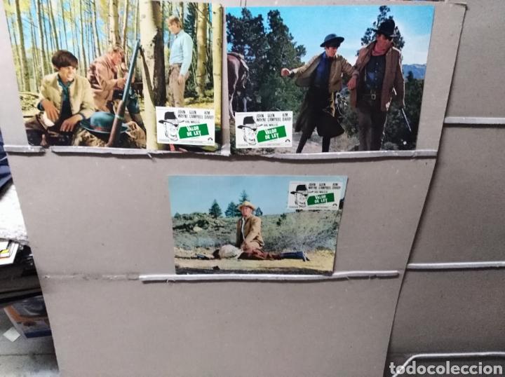 VALOR DE LEY JOHN WAYNE 3 FOTOCROMOS ORIGINALES Q (Cine - Fotos, Fotocromos y Postales de Películas)