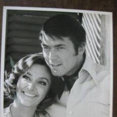 Cinema: CHAD EVERETT - FOTO ORIGINAL B/N - WIFE SHELBY GRANT AMERICAN ACTRESS. Lote 181402083
