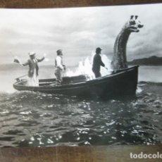 Cine: LA VIDA PRIVADA DE SHERLOCK HOLMES - FOTO ORIGINAL B/N - LAGO NESS - 12X16.5CM. Lote 183086105