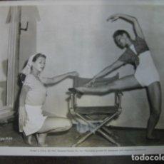 Cine: YVONNE DE CARLO - FOTO ORIGINAL B/N - SI-LAN CHEN SLAVE GIRL RODAJE FILM. Lote 183179138