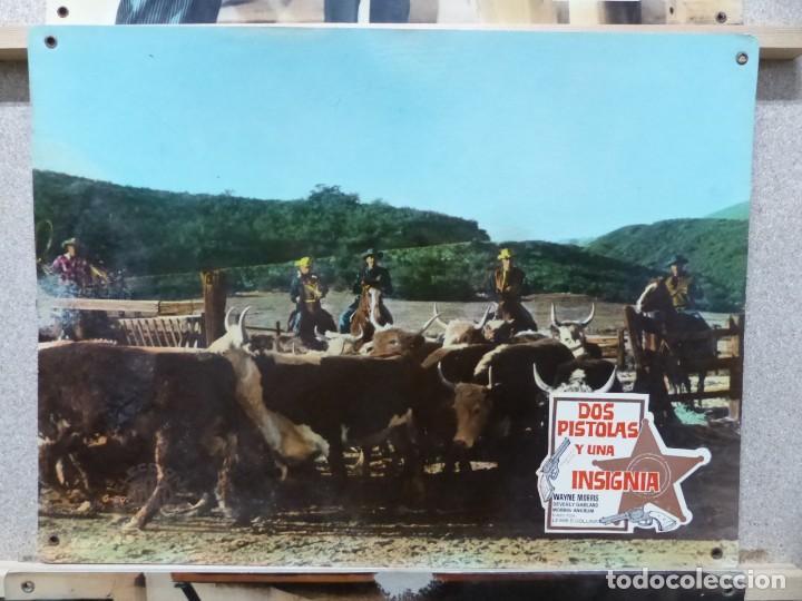 Cine: DOS PISTOLAS Y UNA INSIGNIA - WAYNE MORRIS, BEVERLY GARLAND - SET 6 FOTOCROMOS DE CARTON - Foto 4 - 184549462
