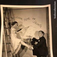 Cinema: FOTO ORIGINAL DE MIGUEL LIGERO Y ROSITA DÍAZ EN SUSANA TIENE UN SECRETO 25X20 CM. Lote 184779245