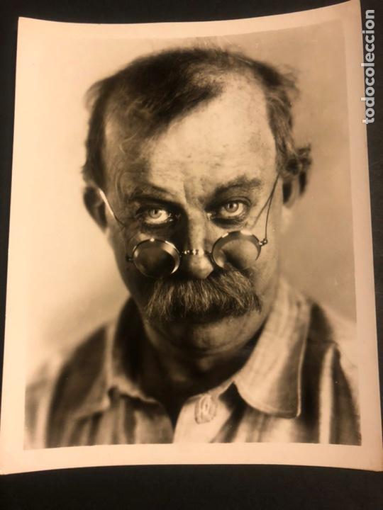 FOTO ORIGINAL DEL HUMORISTA Y ACTOR DE CINE CÓMICO CHESTER CONKLIN 25 X 20 CM (Cine - Fotos y Postales de Actores y Actrices)