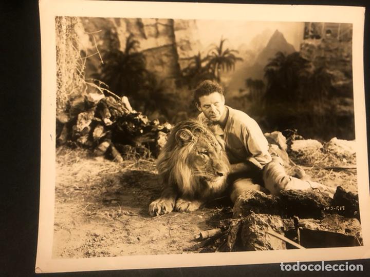 FOTO ORIGINAL UNIVERSAL DE CHARLES BICKFORD EN MARES DE JAVA 25 X 20 CM (Cine - Fotos y Postales de Actores y Actrices)