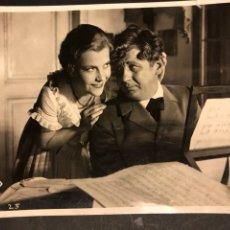 Cine: FOTO ORIGINAL UFA DE RENATE MULLER Y PAUL HORBIGER.GUERRA DE VALSES 18 X 13 CM. Lote 191365188