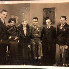 Cine: FOTO ORIGINAL DE CATALINA BARCENA,GILBERT ROLAND,GREGORIO MARTÍNEZ SIERRA Y JOSE LÓPEZ RUBIO 25 X 20. Lote 191655282