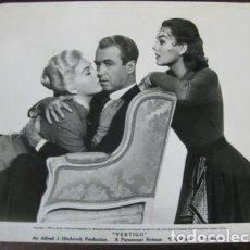 Cine: VERTIGO - FOTO ORIGINAL B/N - JAMES STEWART KIM NOVAK ALFRED HITCHCOK. Lote 191807960