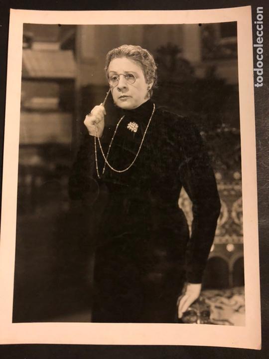 FOTO ORIGINAL DE CARMEN RODRÍGUEZ.EL OCTAVO MANDAMIENTO 25 X 18 CM (Cine - Fotos y Postales de Actores y Actrices)