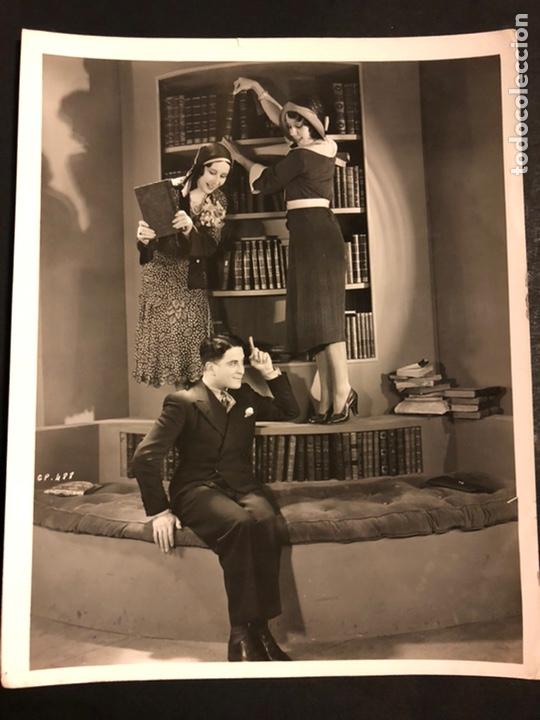 FOTO ORIGINAL DE ROBERTO REY Y AMELIA MUÑOZ 25 X 20 CM (Cine - Fotos y Postales de Actores y Actrices)