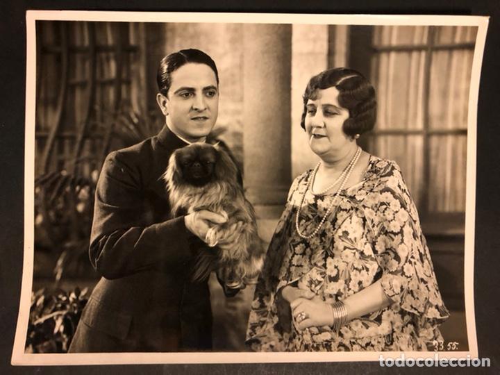 FOTO ORIGINAL DE ROBERTO REY Y ROSARIO PINO.UN HOMBRE DE SUERTE 24,5 X 18,5 CM (Cine - Fotos y Postales de Actores y Actrices)