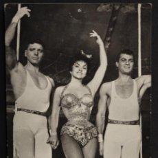 Cine: B. LACASTER, LOLLOBRIGIDA Y T. CURTIS, EN TRAPECIO, ANTIGUA POSTAL CIRCULADA. Lote 192693216