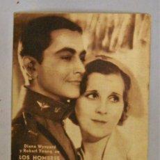 Cine: TARJETA DE CINE DE LA PELÍCULA LOS HOMBRES DEBEN PELEAR. Lote 194272576