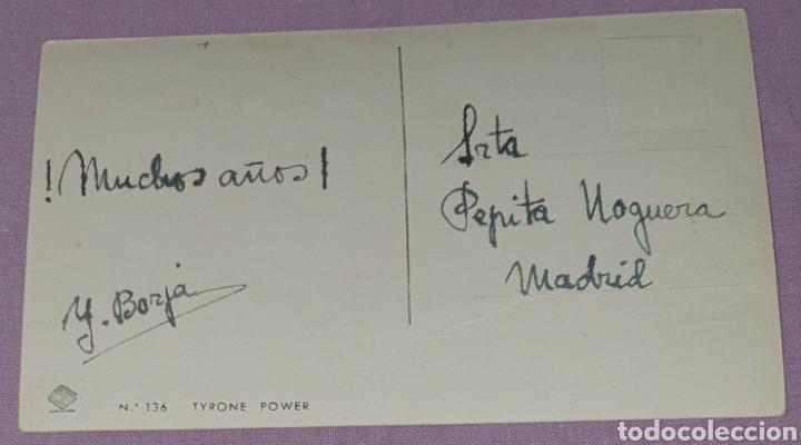 Cine: Antigua foto postal de Tyrone Power. Escrita por detrás. Envío por correo ordinario 1€ o certificado - Foto 2 - 194611138
