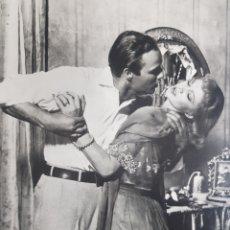 Cine: VIVIEN LEIGH & MARLON BRANDO : UN TRANVÍA LLAMADO DESEO. FOTOGRAFÍA GRANDE ORIGINAL.. Lote 194883480
