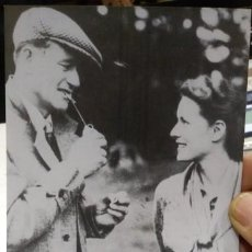Cine: POSTAL JOHN WAYNE AND MAUREEN O'HARA TAKEN DURING THE FILMING OF THE QUIET MAN IN CONG 1951. Lote 194884445
