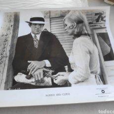 Cine: WARNER BROS FOTO ORIGINAL BONNIE AND CLYDE FAYE DUNAWAY 20 X 25 CM. Lote 195139095