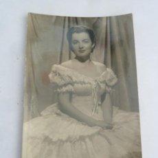 Cine: OLIVIA DE HAVILLAND POSTAL ORIGINAL ANTIGUA. Lote 195166443