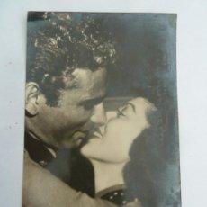 Cine: LORETTA YOUNG JEFF CHANDLER POSTAL ORIGINAL ANTIGUA. Lote 195166477