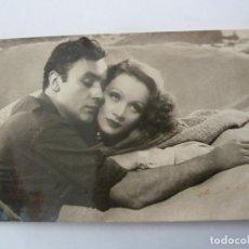 Cine: CHARLES BOYER MARLENE DIETRICH POSTAL ORIGINAL ANTIGUA. Lote 195166501