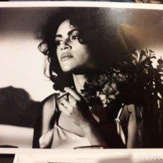 Cine: BOOM BOOM / 1990 / VIKTOR LAZLO ( SONIA DRONIER ) 24X18 CMS FOTO DE ESCENA PRENSA. Lote 195522283