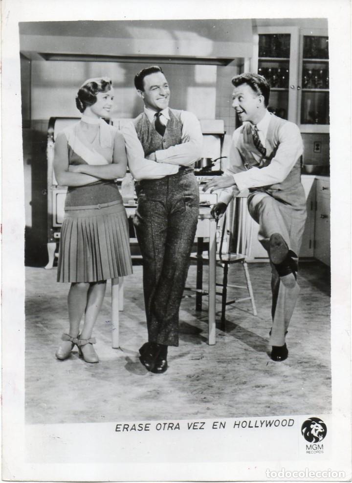 PEQUEÑA FOTOGRAFÍA THATS ENTERTAINMENT GENE KELLY MGM RECORDS (Cine - Fotos y Postales de Actores y Actrices)