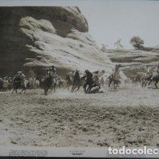 Cine: SUDAN - FOTO ORIGINAL B/N - SUDAN SWORD FIGHT HORSES FILM SCENE . Lote 198213906